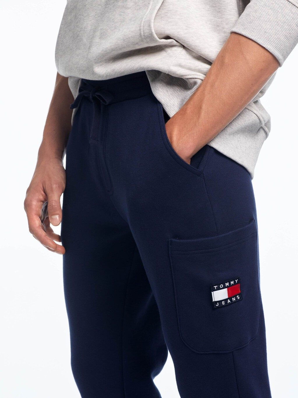 TOMMY BADGE JOGGERS