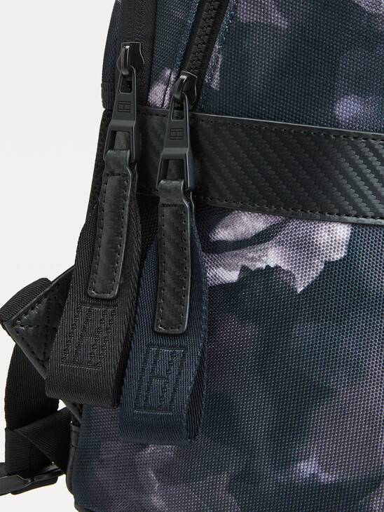 ABSTRACT PRINT BACKPACK