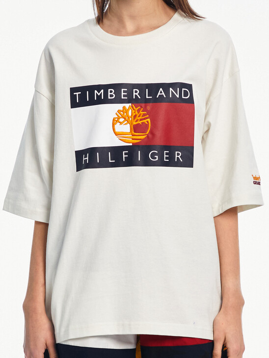 TOMMY X TIMBERLAND LOGO TEE