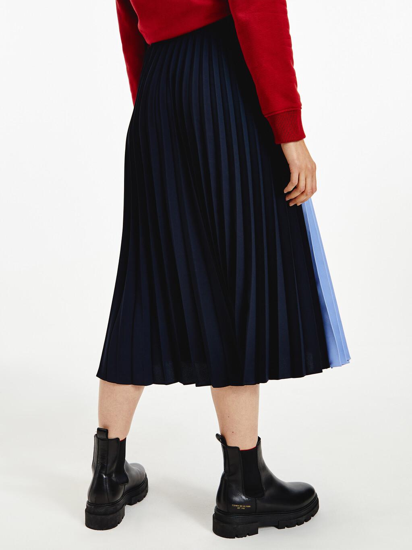 Colour-Blocked Pleated Crepe Midi Skirt