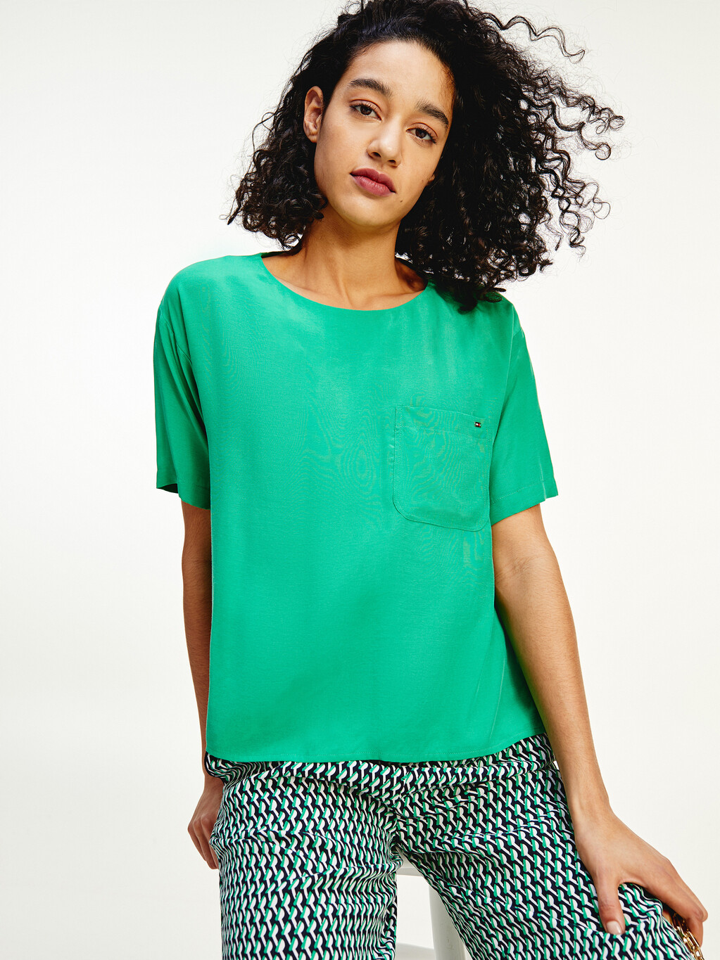 Relaxed Fit Pocket Blouse