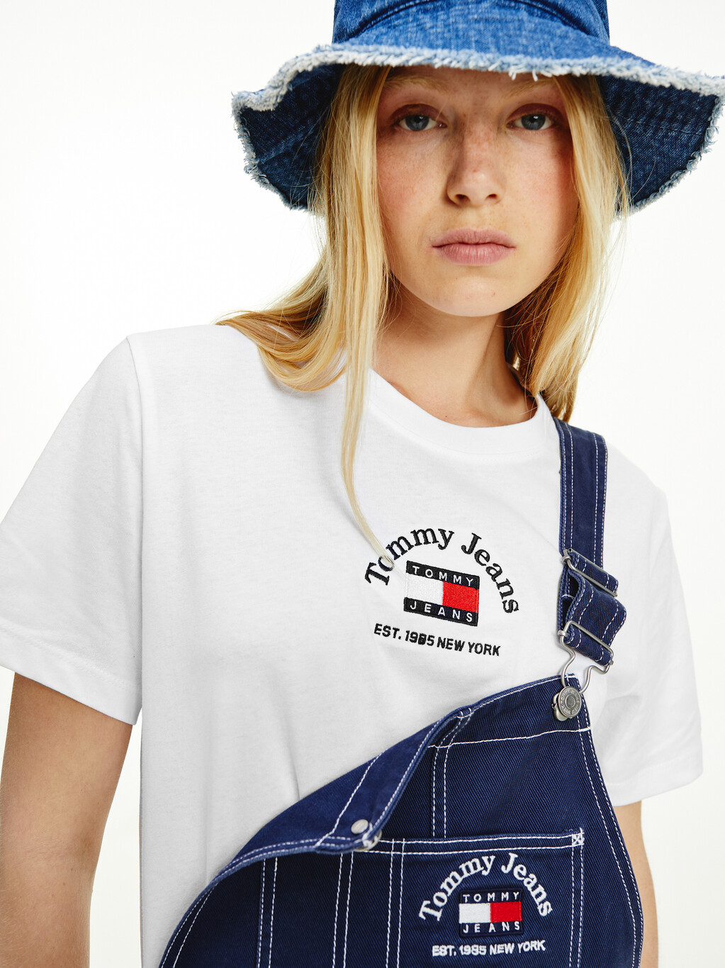 Tommy Badge Boxy Cropped T-Shirt